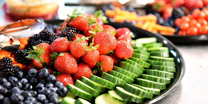 Monday Drum Feast Fruit & Vegetable Tray